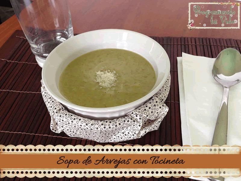 Sopa de Arvejas con Tocineta